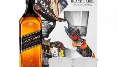 WHISKY - JOHNNIE WALKER BLACK LABEL + 2 SZKLANKI - 0,7L-0